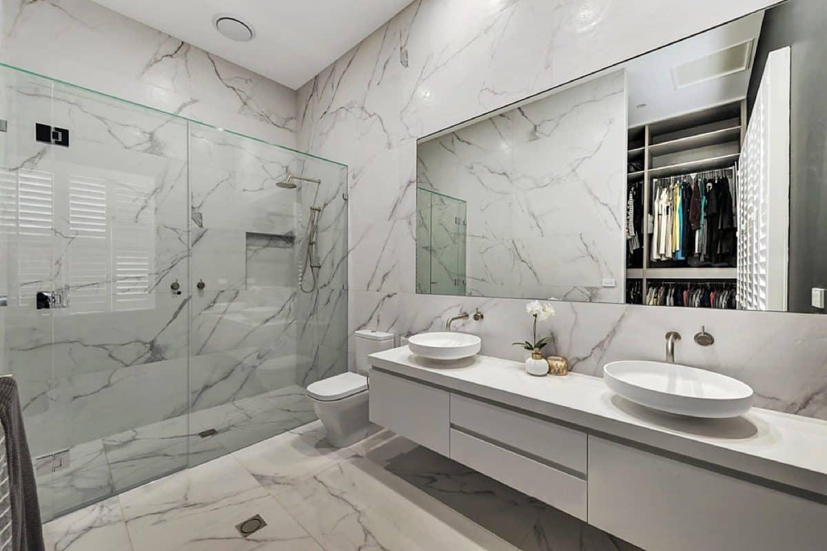 Bathroom frameless shower screen